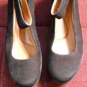Women's Clark's Artisan Black Suede wedges 9.5